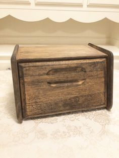 Excited to share this item from my shop: Primitive Bread Box Country Kitchen Drift Wood Primitive Natural Tone Wood With Rustic Wide Grain Primitive Kitchen Rustic Wooden Bread Box Primitive Kitchen, Kitchen Rustic, Copper Kitchen, Country Kitchen, Wooden Bread Box, Bread Boxes, Kitchen Pans, Homer Laughlin, Drift Wood