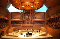 The Walt Disney Concert Hall Organ: L.A.s Finest Instrument Frank Gehry (architect) worked with organ builders Manuel Rosales and Caspar Von Glatter-Gotz, but they didn't want a conventional looking instrument. An organ's wooden pipes are often unseen, but these are front and center to connect it with the wood interior of the hall. The pipes are also curved and bent, which had not been done before.