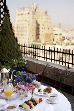 The Lowell Hotel ~ Breakfast time.