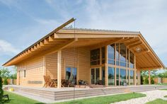 Prefab house / glue-laminated wood / contemporary / energy-efficient FELICITA 238 Lumi Polar
