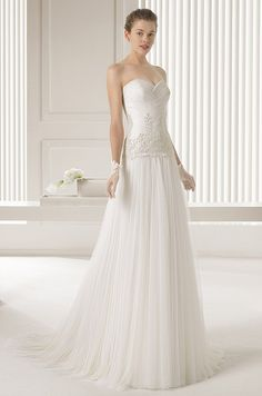 Beautiful Rosa Clara strapless wedding dress. Wedding Dress Trends b9310230ebdf