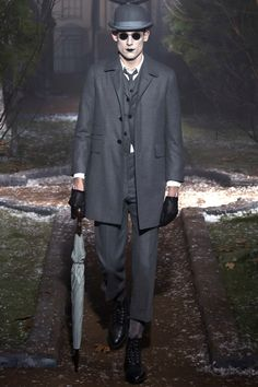 Thom Browne Fall 2016 Ready-to-Wear Fashion Show - Pawal Binczak