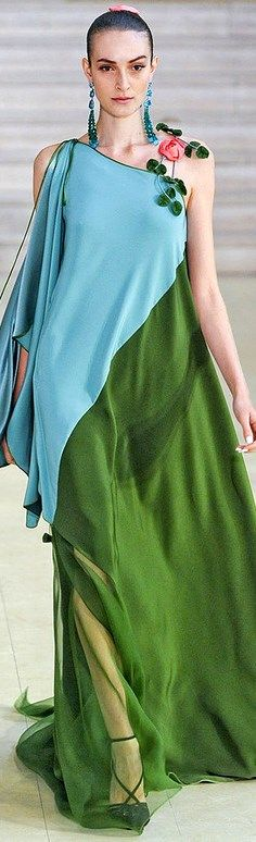Interesting neckline detail on this Alexis Mabille dress
