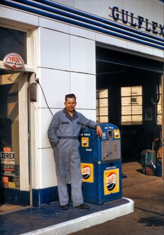 check out the old Pepsi machine