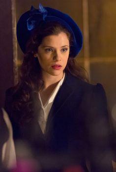 The stunning Jessica De Gouw in Episode 2 of Dracula TV Series - sky.com/dracula