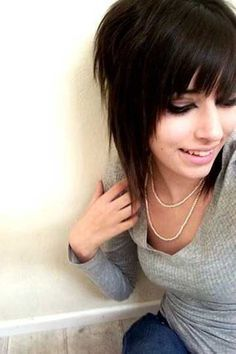 Cute Layered Short Emo Hairstyles for Girls