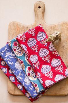 Block print cloth napkins - set of 4 - mixed block prints - Block printed fabric - 100% cotton dinner napkins - Christmas napkins - wedding