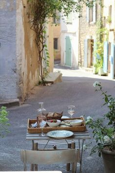 Décor de Provence- want to be there