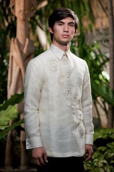 Power Dressing and the Office Barong: Everything You Need to Know / Barong Tagalog Wedding, Barong Wedding, Power Dressing, Graduation Attire, Filipino Wedding, Filipiniana, Mr And Mrs Wedding, Historical Costume, White Man