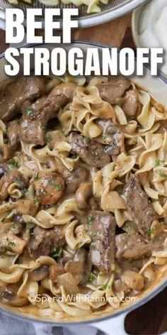 Boeuf Stroganoff Rezept, Beef Mushroom Stroganoff, Homemade Beef Stroganoff, Beef Stroganoff Sour Cream, Easy Stroganoff Recipe, Healthy Beef Stroganoff, Pioneer Woman Beef Stroganoff Recipe, Mushroom Soup, Pasta