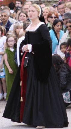 Lady Carey in her Black Tudor Gown