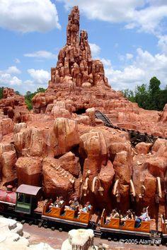 Big Thunder Mountain Railroad - Walt Disney World - Magic Kingdom (Lake Buena Vista, Florida, USA)
