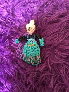 Elsa from Frozen on the Rainbow Loom *Original Creation* by Madalyn Nelson at Madgirl Designs