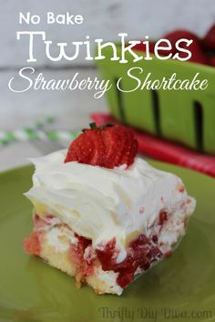 No Bake #Twinkies Strawberry Shortcake (made with pudding)! http://thriftydiydiva.com/no-bake-twinkies-strawberry-shortcake-made-with-pudding/ #desserts