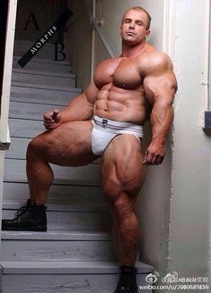 Muscled Mature Pic 29