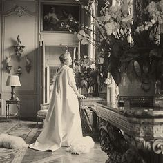 Mona Von Bismarck in her Paris drawing room wearing Balenciaga with her Bichon Frisée's Paris Drawing, Crystal Room, Parisian Cafe, Cecil Beaton, International Style, European History, Belle Epoque, Historical Photos, Black And White Photography