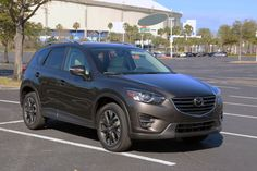 The 2016 #Mazda CX-5 Grand Touring AWD is aggressively elegant! Have you seen this new model driving around? http://www.tampabay.com/news/business/autos/the-daily-drivers-car-review-2016-mazda-cx-5-grand-touring-awd/2272289