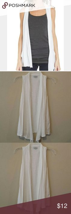 American Eagle White Open Cardigan American Eagle White Sleeveless Open Cardigan  Soft knit cotton, Easy open silhouette.  Size small. Never worn. Excellent condition. American Eagle Outfitters Tops Vests