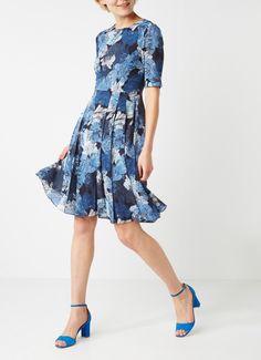 Op zoek naar Jigsaw Camo Floral gebloemde A-lijn jurk van zijde ? Ma t/m za voor 22.00 uur besteld, morgen in huis door PostNL.Gratis retourneren.