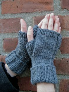 Free Knitting Pattern - Fingerless Gloves & Mitts: Comfort Zone Fingerless Gloves