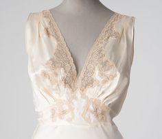 Vintage 1930s Ivory Silk Nightgown with Ecru Lace, 30s Lingerie, Bias Cut Boudoir Bridal Wedding  Ivory white silk vintage nightgown with ecru lace.