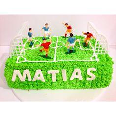 Para todos los amantes del fútbol, una deliciosa torta SoSweet - #Tortas #Postres #Ponques #SoSweet #PastryShop #Pastelería #Repostería #Artesanal #Bogotá #artcake #Futbol www.SoSweet.com.co