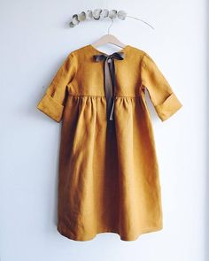 Linen dress with high waist with ribbons for a girl, summer dress from natural flax Fashion Kids, Toddler Fashion, Fashion Shoes, Fashion Outfits, Little Girl Dresses, Girls Dresses, Dress Girl, Baby Dresses, Girls Wardrobe