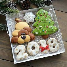 Delicadeza e fofurometro no máximo esses #cokkies de #natal. #Repost @facsantos  ・・・  Cookies Natalinos by  @yulika_kalinina   Esse Natal vai ser maravilhoso!!! Cada coisa linda que estou vendo por aí... ❤️❤️❤️❤️ #vemnatal #natal #natal2017 #cookies #cookiesdecorados #decoratedcookies #biscoitosdecorados
