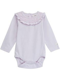 Cute long-sleeved body with lace ruffles at the neckline. Perfect transitional piece paired with leggings or for layering. Made from ultra soft organic cotton for extra comfort. ### Lace frill neckline Small Newbie label Fabric: 100% CottonWash: 40ºKeep away from fire