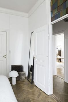 The Beautiful Home of Ceramist Anne Black - Nordic Design Style At Home, Interior Architecture, Interior And Exterior, Design Moderne, Trendy Bedroom, Home Bedroom, Master Bedroom, Interior Design Inspiration, Home Fashion