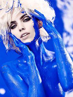 She blue