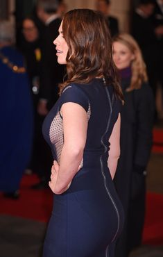 hayley atwell fashion style - #celebrities #moviestars #moviesactress #hayleyatwell #hayleyatwellbiography #hayleyatwellprofile #hayleyatwellstyle #hayleyatwellfashion #hayleyatwellstylehair #hayleyatwellstyledresses #hayleyatwellstyleagentcarter #hayleyatwellstyleoutfits #hayleyatwellstylecasual #hayleyatwellstyleredcarpet #hayleyatwellstylesummer #hayleyatwellstylewinter #hayleyatwellmakeup #hayleyatwellwallpapershd #hayleyatwellpictureshd #hayleyatwellwallpapersiphone #hayleyatwellphotos Hayley Atwell Bikini, Hailey Atwell, Hayley Elizabeth Atwell, Indian Actress Pics, London Girls, Prettiest Actresses, Female Poses, Red Carpet Dresses, Famous Women