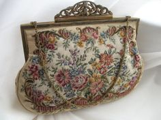Austrian Embroidered Floral Purse van worldlyandwise op Etsy, $85.00
