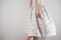 Купить или заказать Хлопковая юбка с подъюбником в интернет-магазине на Ярмарке Мастеров. Хлопковая юбка на резинке из качественного, приятного телу материала. Подъюбник пришит к юбке, по подолу - хлопковое кружево. Размеры в наличии: Пояс на резинке Длина 60 см ....................... Пояс на резинке Длина 65 см .......................