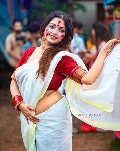 Hot girls in saree, girls navels, saree, sexy girls in saree Beautiful Girl Indian, Beautiful Saree, Gorgeous Women, Beautiful Places, Girl Photo Poses, Girl Photos, Bollywood Actress Hot Photos, Actress Photos, Saree Photoshoot