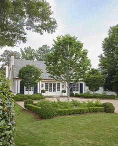 AFavorite Architect's Portfolio & More - Design Chic Driveway Design, Yard Design, House Design, Up House, House Front, Cozy Cottage, Cottage Homes, Anna Evans, Front Yard Landscaping