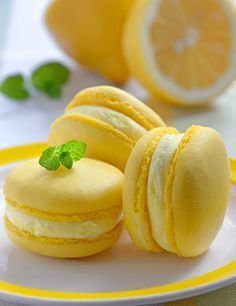 Colorful french macarons with lemon flavor - Colorful french-Colorful french macarons with lemon flavor – Colorful french macarons Colorful french macarons with lemon flavor – Colorful french macarons - Cute Desserts, Dessert Recipes, Cute Food, Yummy Food, Macaron Flavors, Cute Baking, Macaroon Cookies, French Macaroons, Macaroon Recipes