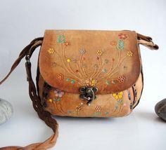 Vintage Tooled Leather Saddel Bag Hippie BoHo bucket bag Vintage Classic Leather satchel