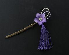 桔梗〈ききょう〉の刀簪(紫)30 Minne, Bugs, Designers, Jewelry Design, Hair Accessories, Jewels, Dolls, Handmade, Diy Kid Jewelry