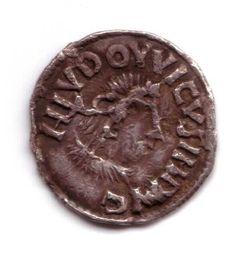 Melle: avers.Louis Le Pieux, roi d'Aquitaine- LOUIS 1°- 6) DU REMARIAGE (819) AU REPARTAGE (829), 6: Les échanges entres Louis le Pieux et l'empereur grec de Byzance, MICHEL II, aboutissent à des emprunts religieux et culturels: au cours d'une ambassade en 827, l'empereur byzantin lui fournit l'ensemble des oeuvres de DENYS L'AREOPAGITE dont le roi franc souhaitait une traduction.