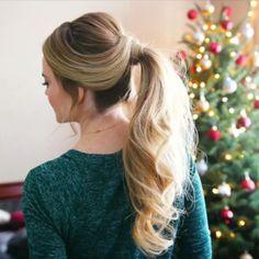 A little Christmas morning hair inspiration  Merry Christmas! ✨ Tutorial link in bio! #missysueblog #christmasmorning #holidayready