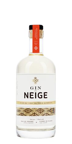 Gin de Neige, La Face Cachée de la Pomme - Un gin qui vient du froid du Québec. Assemblé avec l'eau de pomme issue de la production du Cidre de Glace et aromatisé avec le Cidre de Glace // A gin from Québec's cold winter. Made with apple water recovered from Ice Cider production and flavoured with a drop of Ice Cider.