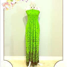 FULL BODY GREEN SUMMER DRESS!!✨ This is a really nice polyester summer dress! It is in perfect condition and was rarely worn! Dresses Maxi