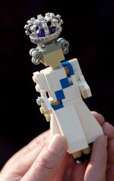 Queen Elizabeth II Diamond Jubilee Lego
