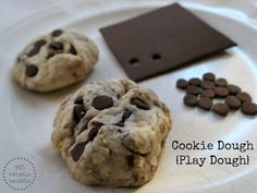Cookie Dough Play Dough with foam chocolate chips. Includes recipe for sensitive skin play dough. Slime, Mouse A Cookie, Dough Recipe, Salt Recipe, One Smart Cookie, Play Doh, Pretend Play, Food Themes, So Little Time