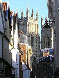 [Petergate and Minster towers, York, UK] ... Excellent perspective