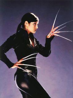 Kelly Hu as Yuriko Oyama / Lady Deathstrike in Kelly Hu, Marvel Comic Universe, Marvel Dc, Marvel Comics, Lady Deathstrike, Joker Cosplay, Batman Vs Superman, Super Hero Costumes, Movie Photo