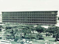 Philam Life Building by Architect Carlos D. Arguelles | Ermita, Manila Manila, Philippine Architecture, Filipiniana, Filipino, Philippines, Past, Multi Story Building, History, Architects