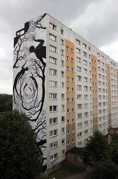 David De La Mano and Pablo S. Herrero collaborate on a new mural in Gdansk, Poland