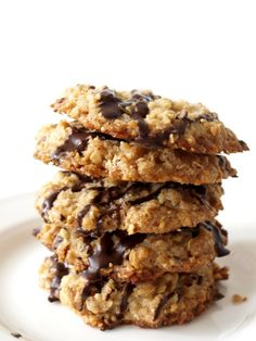 Oatmeal biscuits ✔ … - Food and Drinks Ideas Oatmeal Biscuits, Oatmeal Cookies, Paleo Dessert, Dessert Recipes, Scandinavian Food, Convenience Food, Sweet Recipes, Cookie Recipes, Food Porn